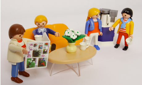 http://static.guim.co.uk/sys-images/Arts/Arts_/Pictures/2009/2/4/1233744296456/Playmobil-figures-invente-001.jpg