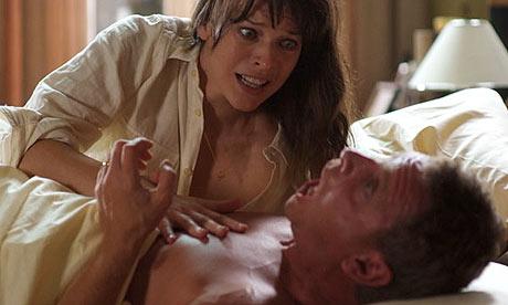 Milla jovovich hot kiss