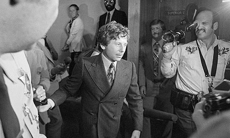 Roman Polanski leaving court after being ordered to report for psychiatric examination in 1977