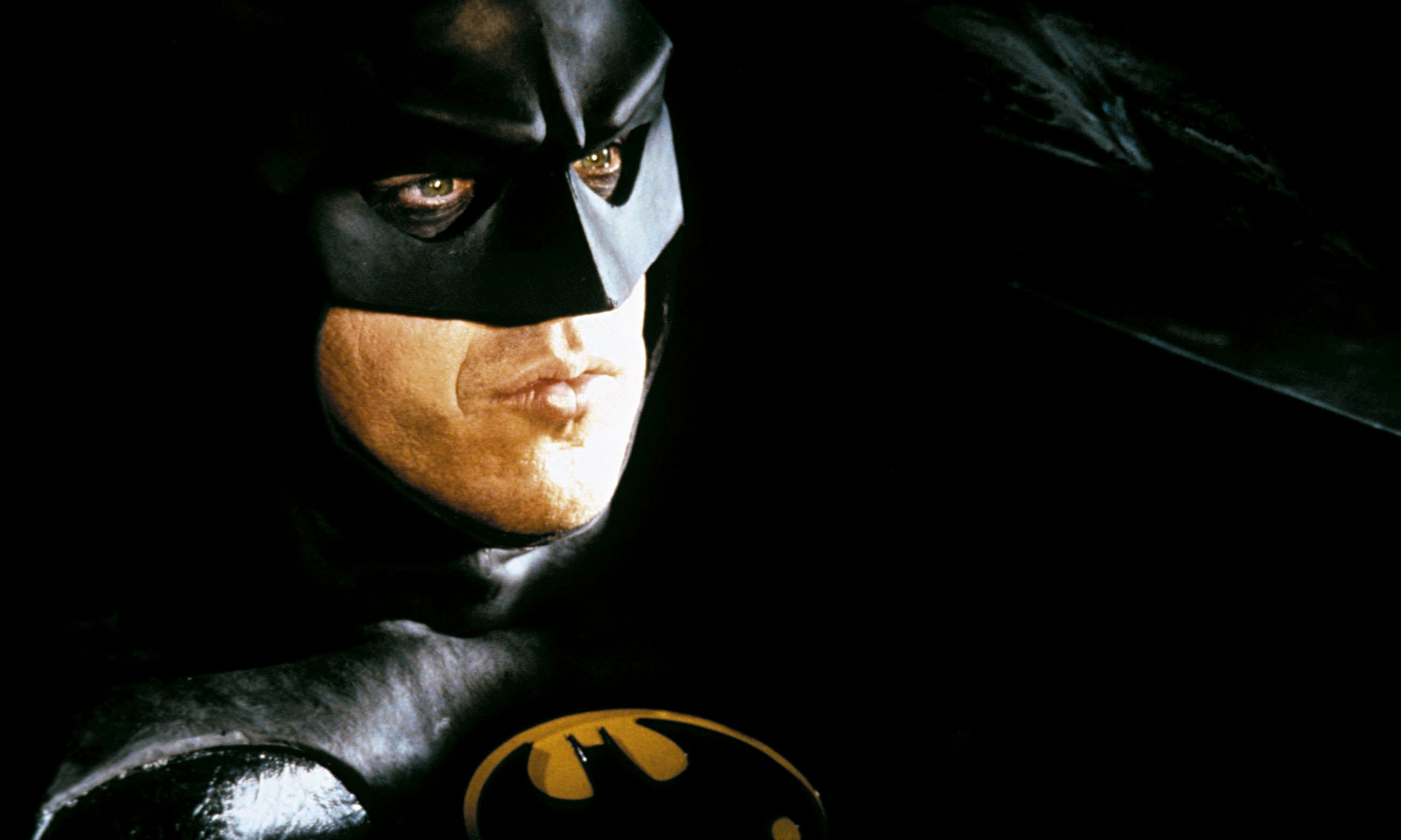 """a comparison of physical and mental features in batman returns by tim burton and astonishing x men g Once again directed by tim burton, """"batman returns for """"batman"""" and """"batman returns in overblown language and relying upon his astonishing."""