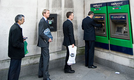 cashpoint-queue