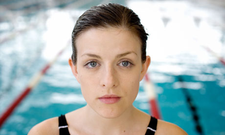 Aisling Loftus as Lindsey in Dive