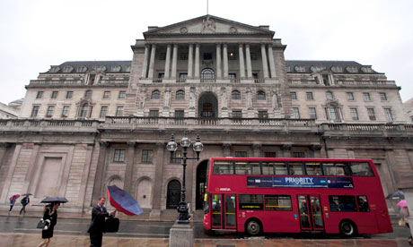 A bus pases the bank of england