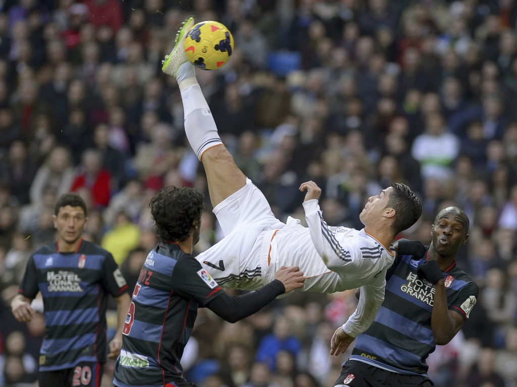 Sport picture of the day: Cristiano Ronaldo flying high ...