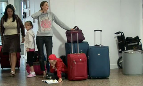Volcanic ash cloud travel disruption: Glasgow airport delays - video