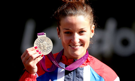 Lizzie Armitstead holds silver medal