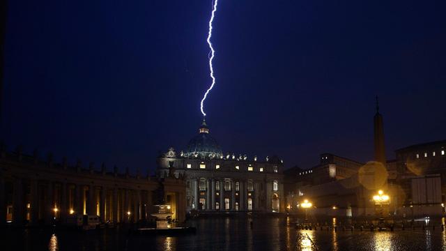 Lighting-at-Vatican-012.jpg (640×360)