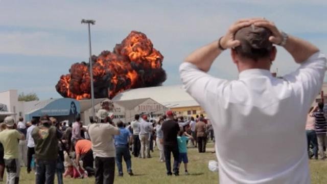 Airplane crash amateur video