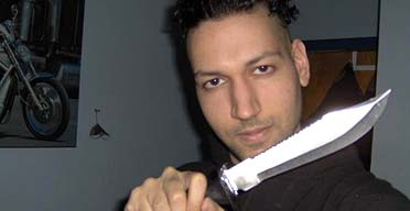 A photo allegedly showing Kimveer Gill on VampireFreaks.com