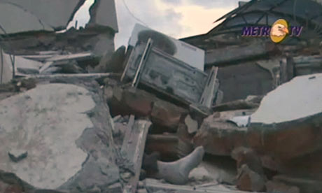 Wreckage after an earthquake in Indonesia