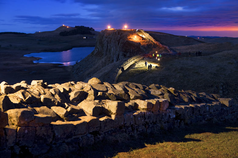 http://static.guim.co.uk/sys-images/Guardian/Pix/pictures/2010/3/16/1268734542319/Hadrians-Wall-002.jpg