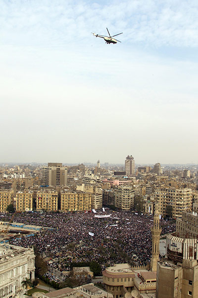 http://static.guim.co.uk/sys-images/Guardian/Pix/pictures/2011/2/1/1296567838605/An-Egyptian-military-heli-032.jpg