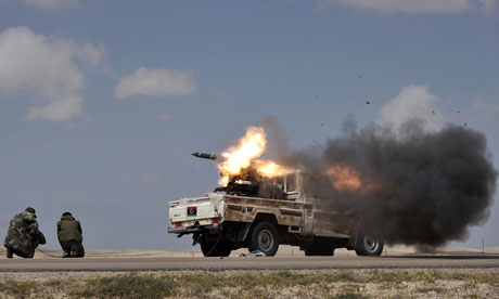 Libyan rebels fire rockets against forces loyal to Moamer Kadhafi