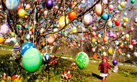A tree decorated with Easter eggs