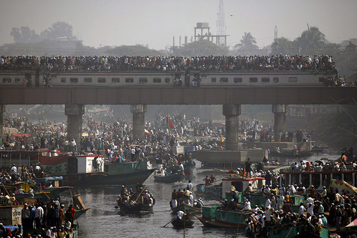 celebrate gallery: Muslim devotees, Bangladesh