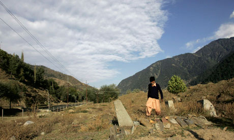 Kashmir unmarked graves