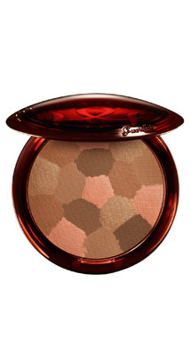 The new Terracotta Light Sheer Bronzing Powder from Guerlain