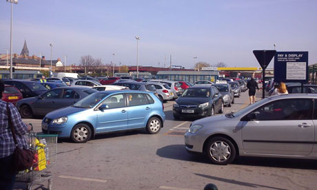 Petrol station queue