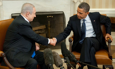 Obama shaking Netanyahu's hand