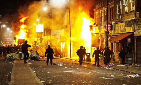 Policing The Riots Fear Frustration And A Deep Sense