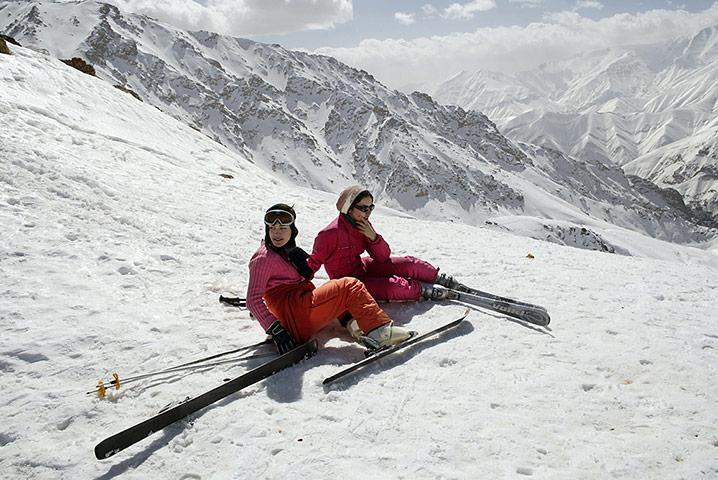 Iranians on holiday at Sh 011 زیباترین مناظر دیدنی ایران از نگاه سایت خارجی گاردین + عکس