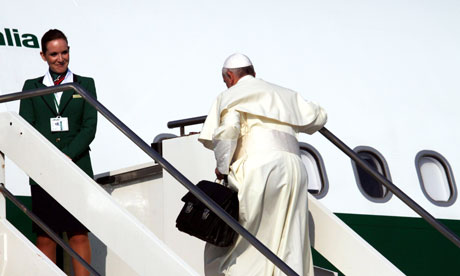 https://static.guim.co.uk/sys-images/Guardian/Pix/pictures/2013/7/22/1374490815828/Pope-Francis-sets-off-for-008.jpg