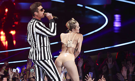 Robin Thicke and Miley Cyrus perform at the VMAs