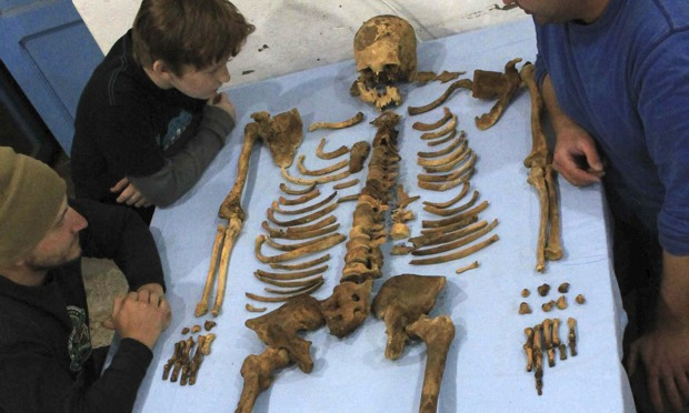 Archaeologists find remains of previously unknown pharaoh ...