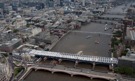 Iconic image of Blackfriars Solar-powered Bridge