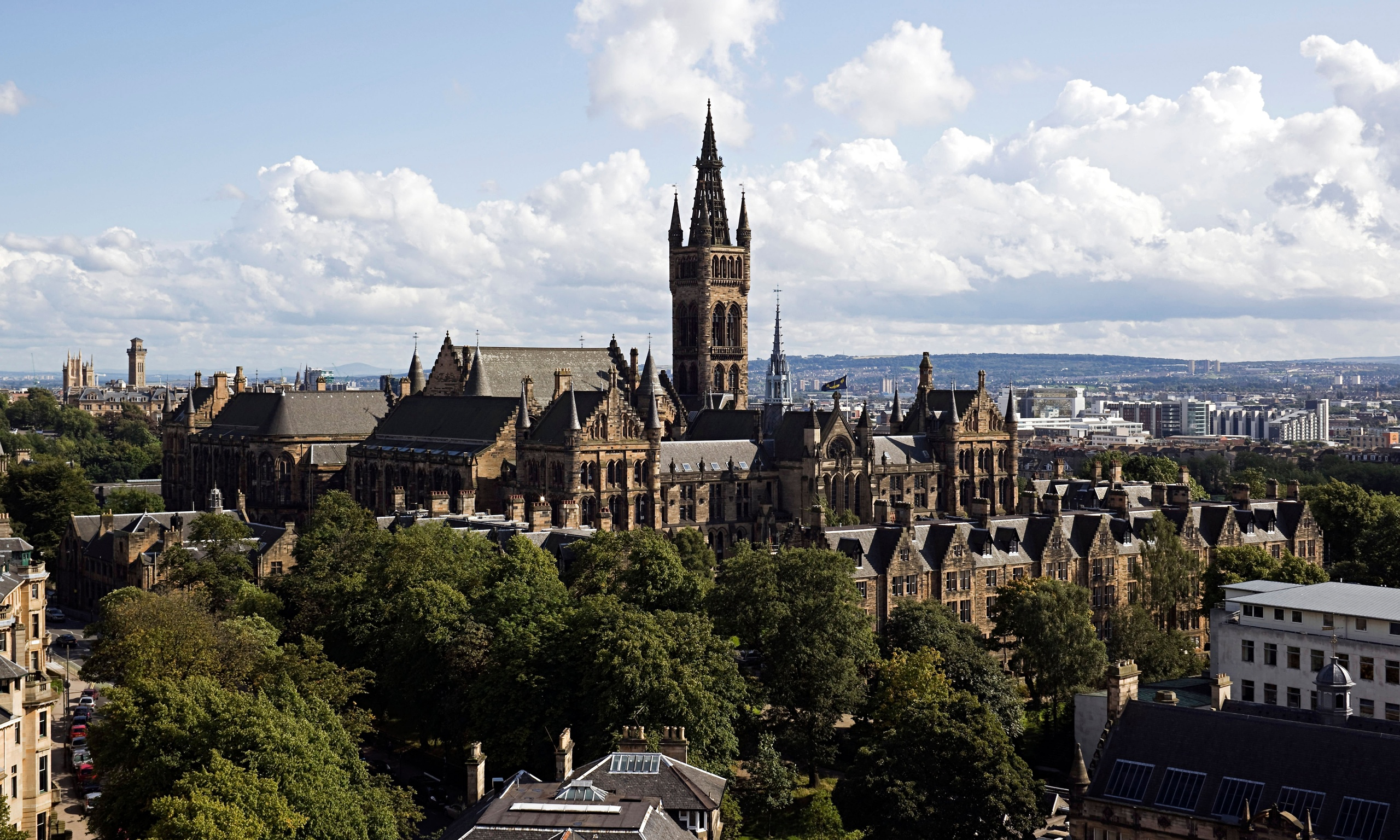 Scottish student borrowing soars by 69% to record levels ...