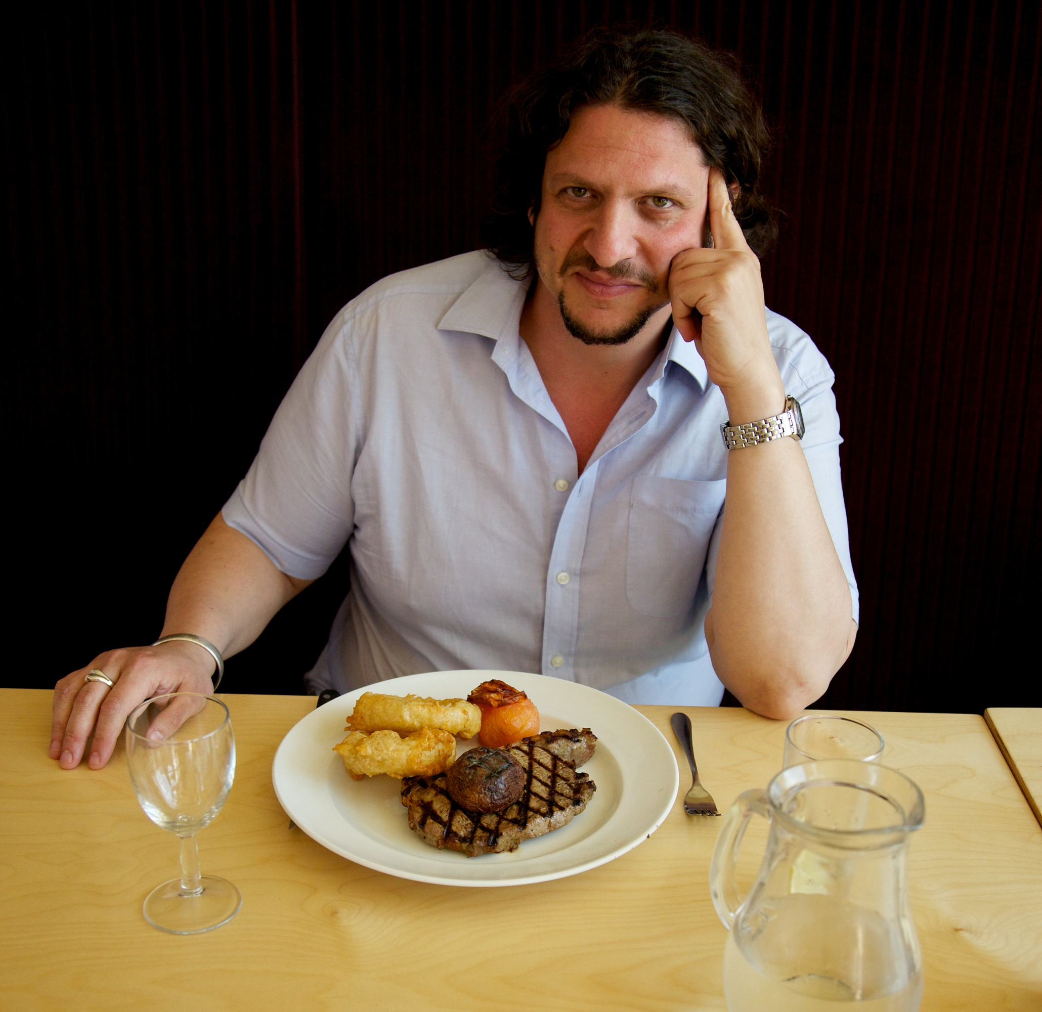 Knives Out: Why We Love Reading Cruel Restaurant Reviews