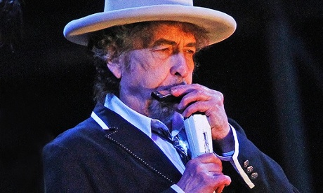 The media-shy Bob Dylan gives a rare one-on-one performance.