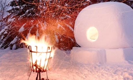 Staying in a snowball in Jokkmokk