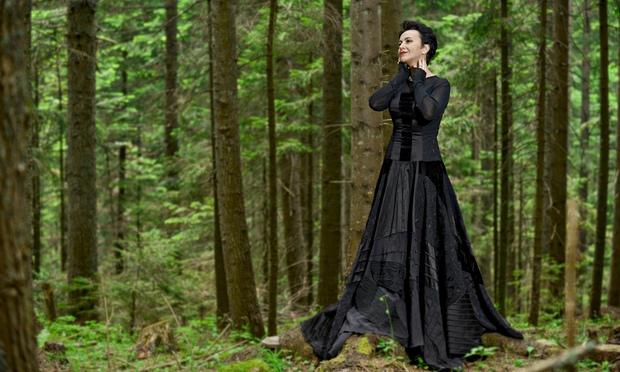 Amira Medunjanin  Amira-Medunjanin-012