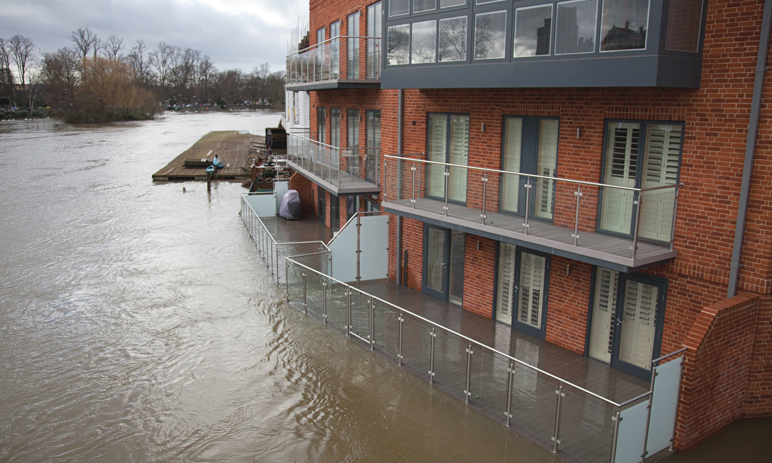 Floods Threaten Thousands Of Homes Along The Thames