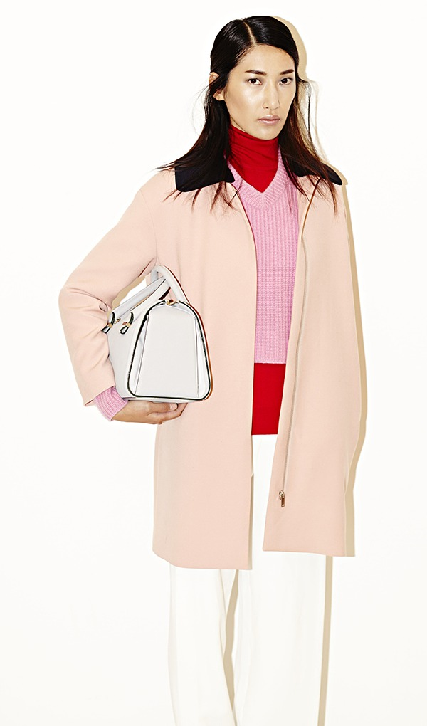 Summer Carry On Only Wardrobe For Spain: How To Carry Your Handbag, And Other Trends For Spring