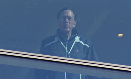 Bilderberg - Petraeus at window