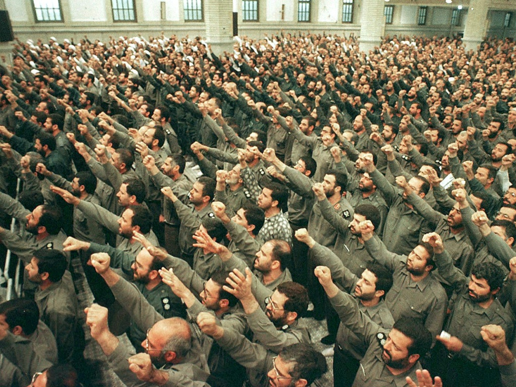Many Iranians want military to intervene against Isis