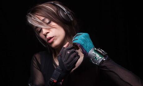 Imogen Heap's Mi.Mu glove missed its Kickstarter goal.