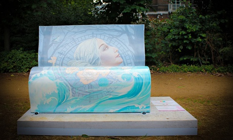 Mrs. Dalloway book bench