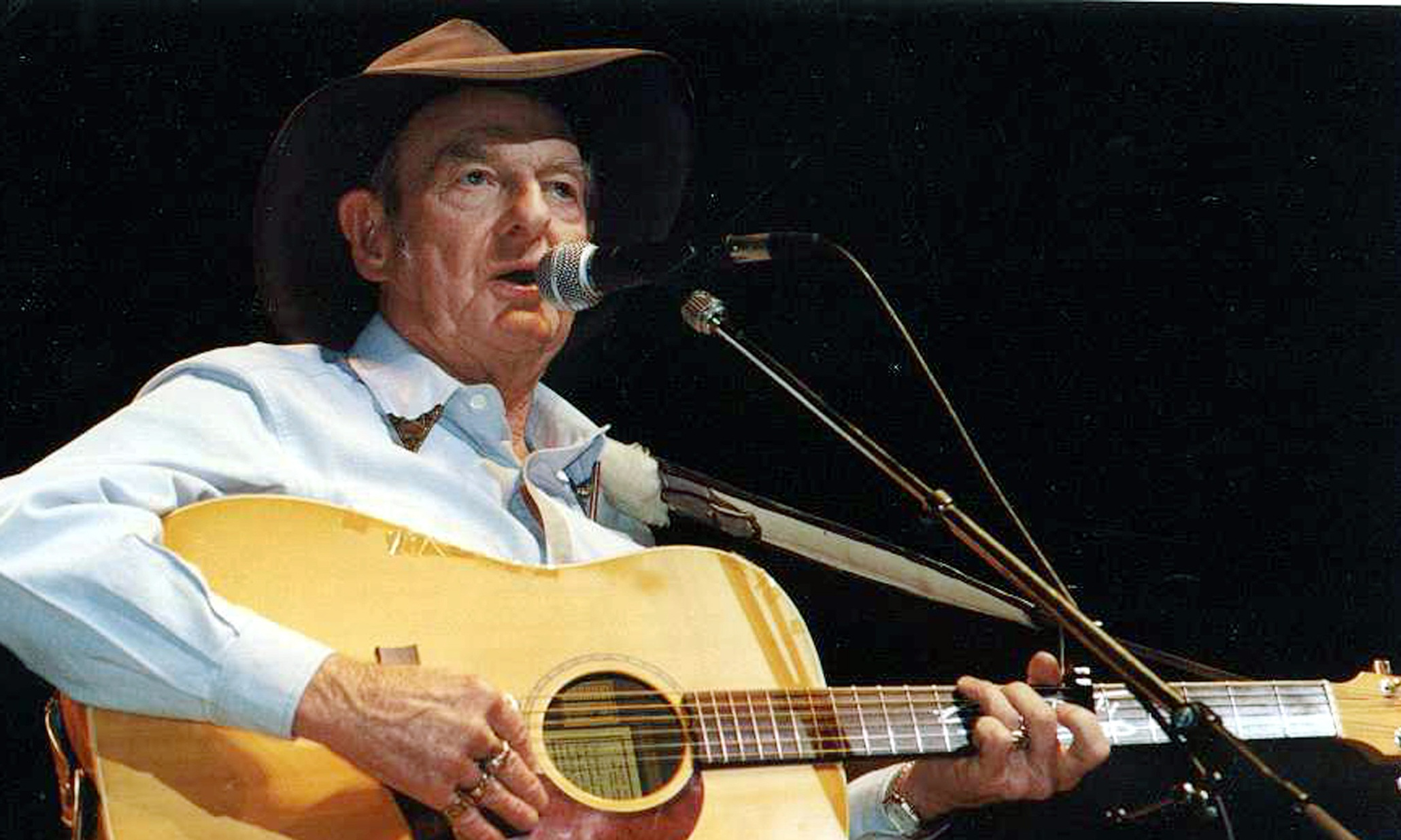 A Pub With No Beer By Slim Dusty A Metaphor For The