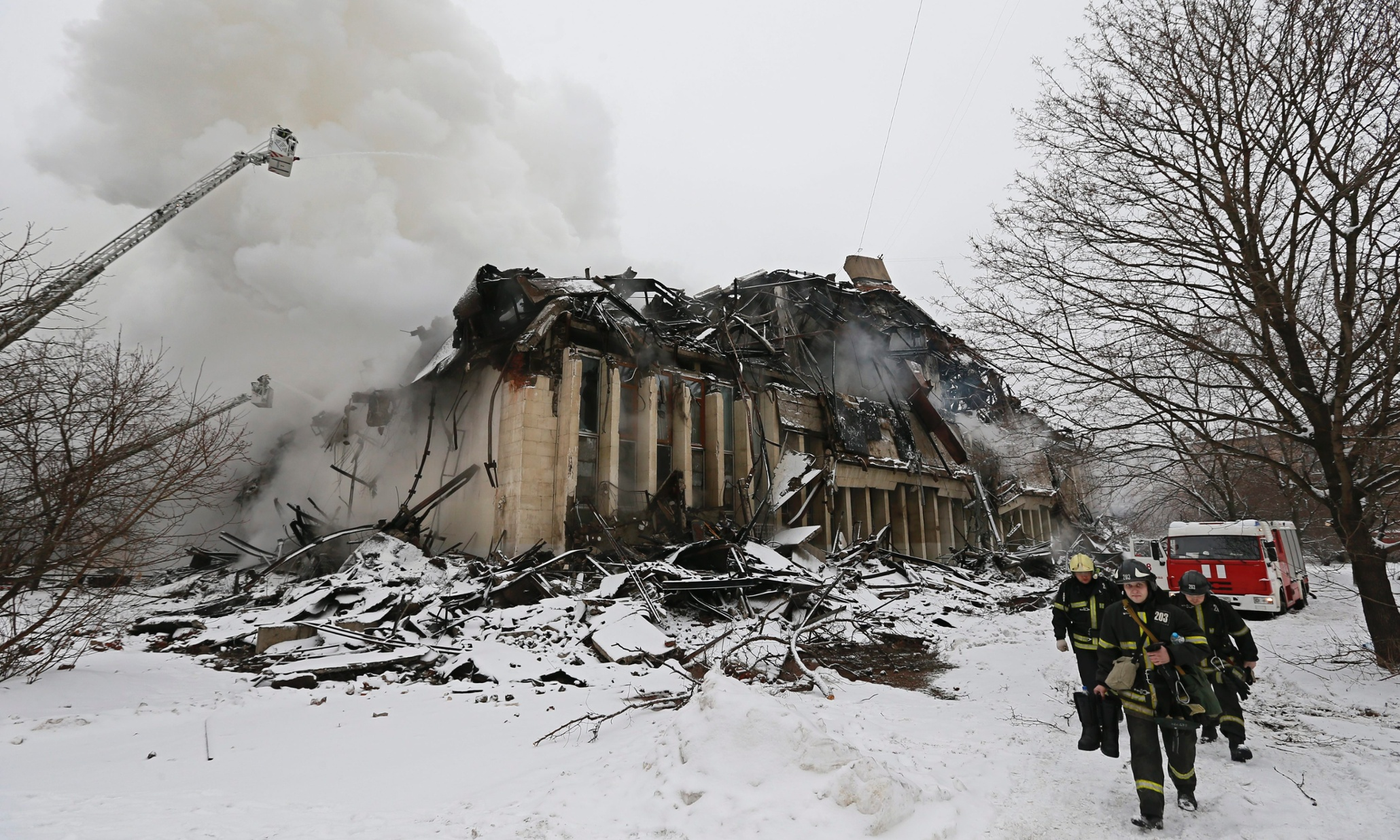Fire in major Russian library destroys 1m historic ...