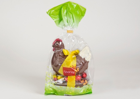 Favorina chocolate hen