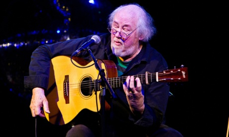 John Renbourn was still performing up to his death. For the past two years he had been rouring with the folk and blues guitarist Wizz Jones.