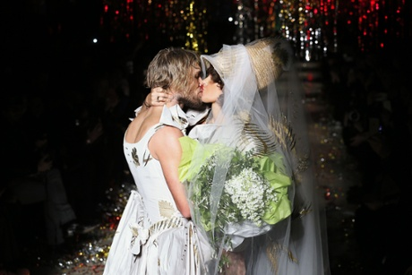 US actress Paz de la Huerta snogging a model on the Vivienne Westwood catwalk