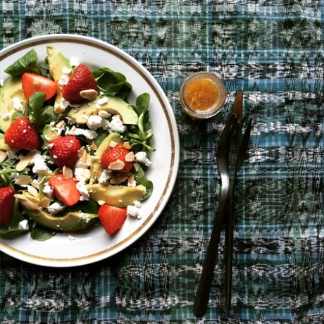 TwinnyDip's snap of a strawberry and avocado salad adorned with their distinctive rhubarb dressing.