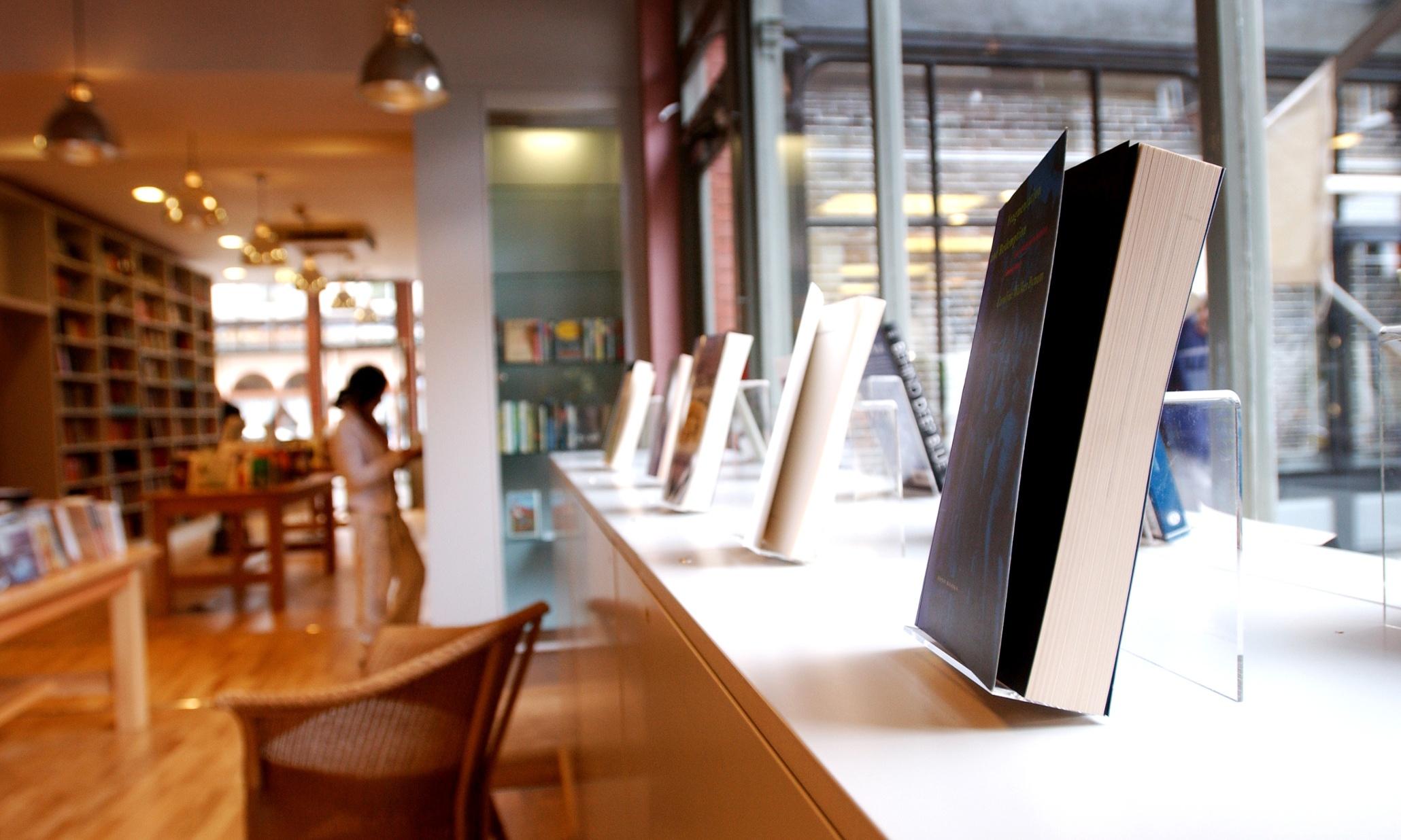 Consumer Book Publishing