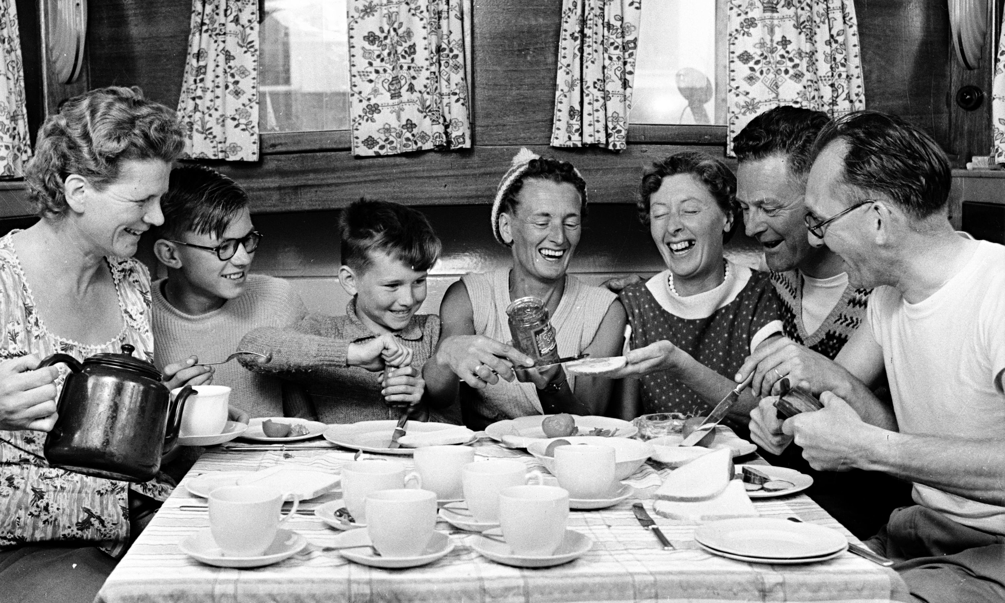 Blog Post   Consumers Having Trouble Affording New Cars ...  1950s Family Life