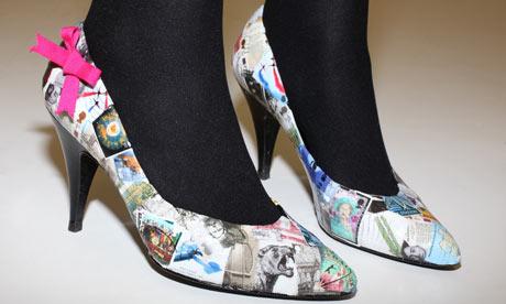 Декупаж.  Смотрите еще фотки декупажа на обуви и вдохновляйтесь.