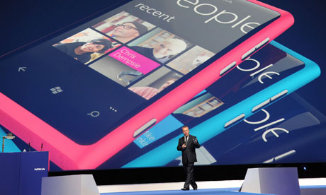 Stephen Elop launches Nokia Lumia 800